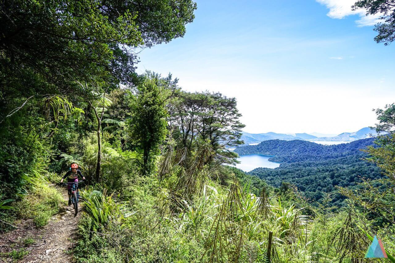 Unglaubliches Panorama beim Aufstieg zum Nydia Saddle