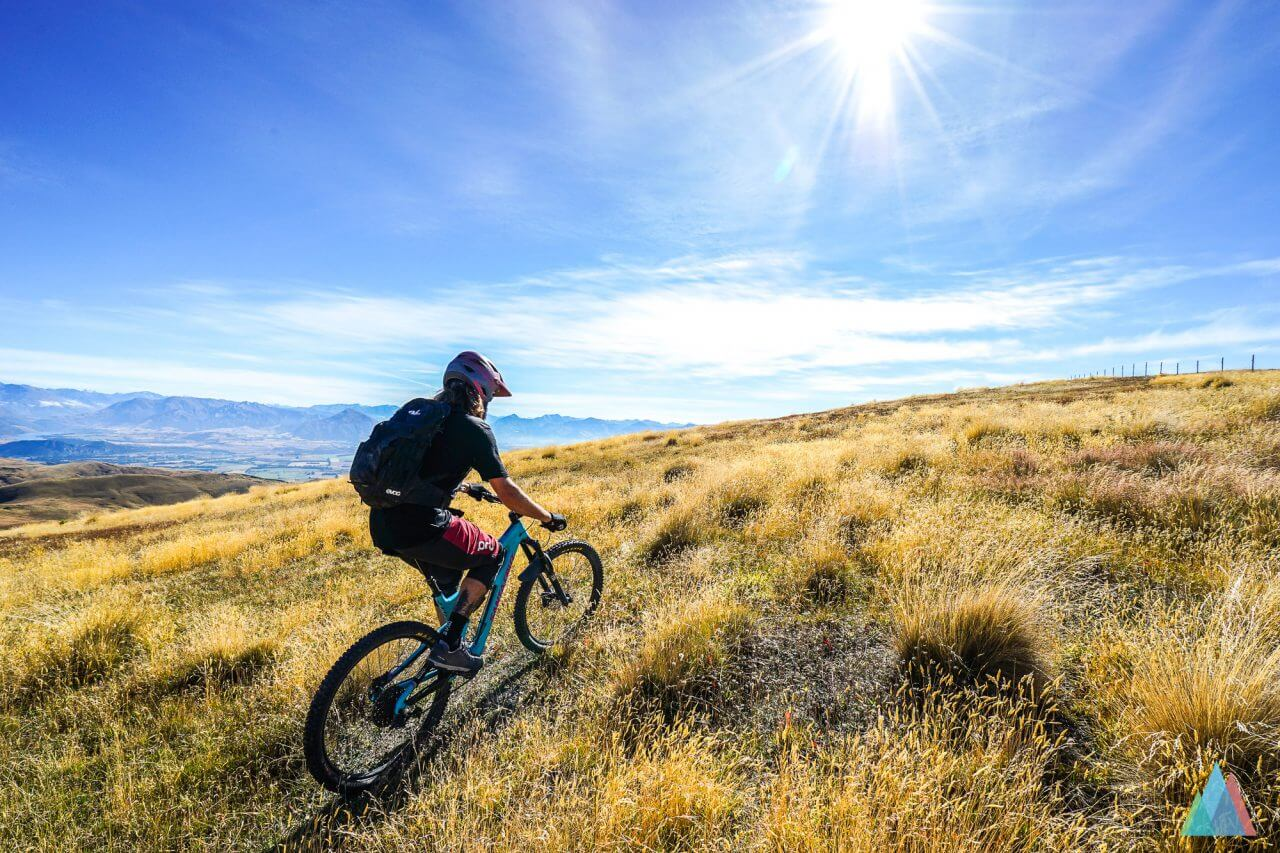 wanaka-new-zealand-mtb-trails-heli-bike-ben-uphill