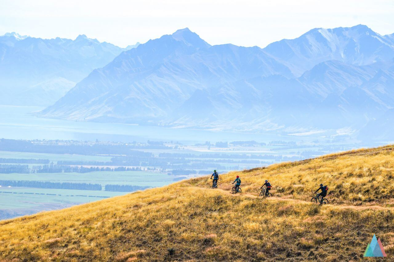 wanaka-new-zealand-mtb-trails-heli-bike-group-uphill