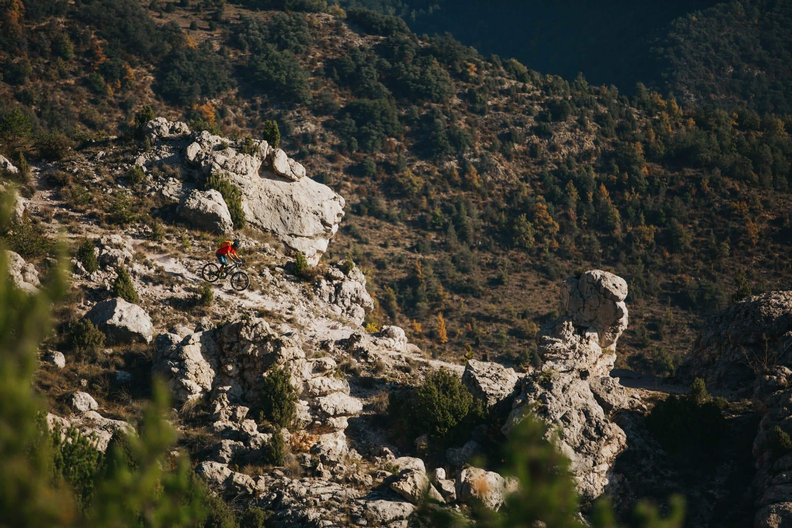 pyrenees-orientales-altitude-adventures-mtb-outsideisfree-Adrien-Ridge